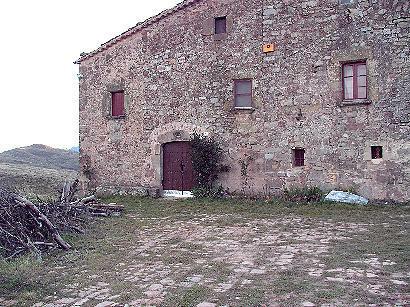 Era enrajolada davant la masia de La Roca